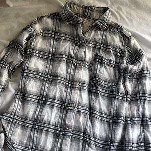 hollister white and black flannel